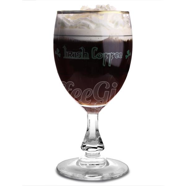 айриш кофе в бокале