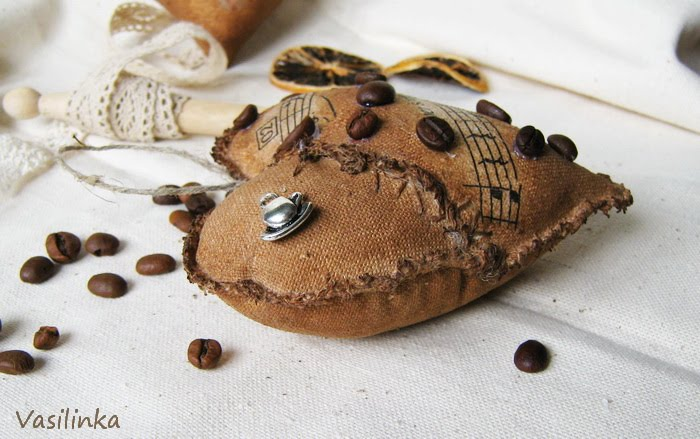 сердце из кофе и мешковины