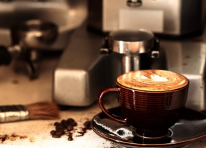 готовим капучино в кофемашине